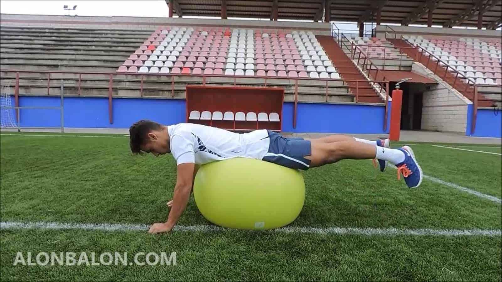 Hiperextensión inversa sobre pelota suiza