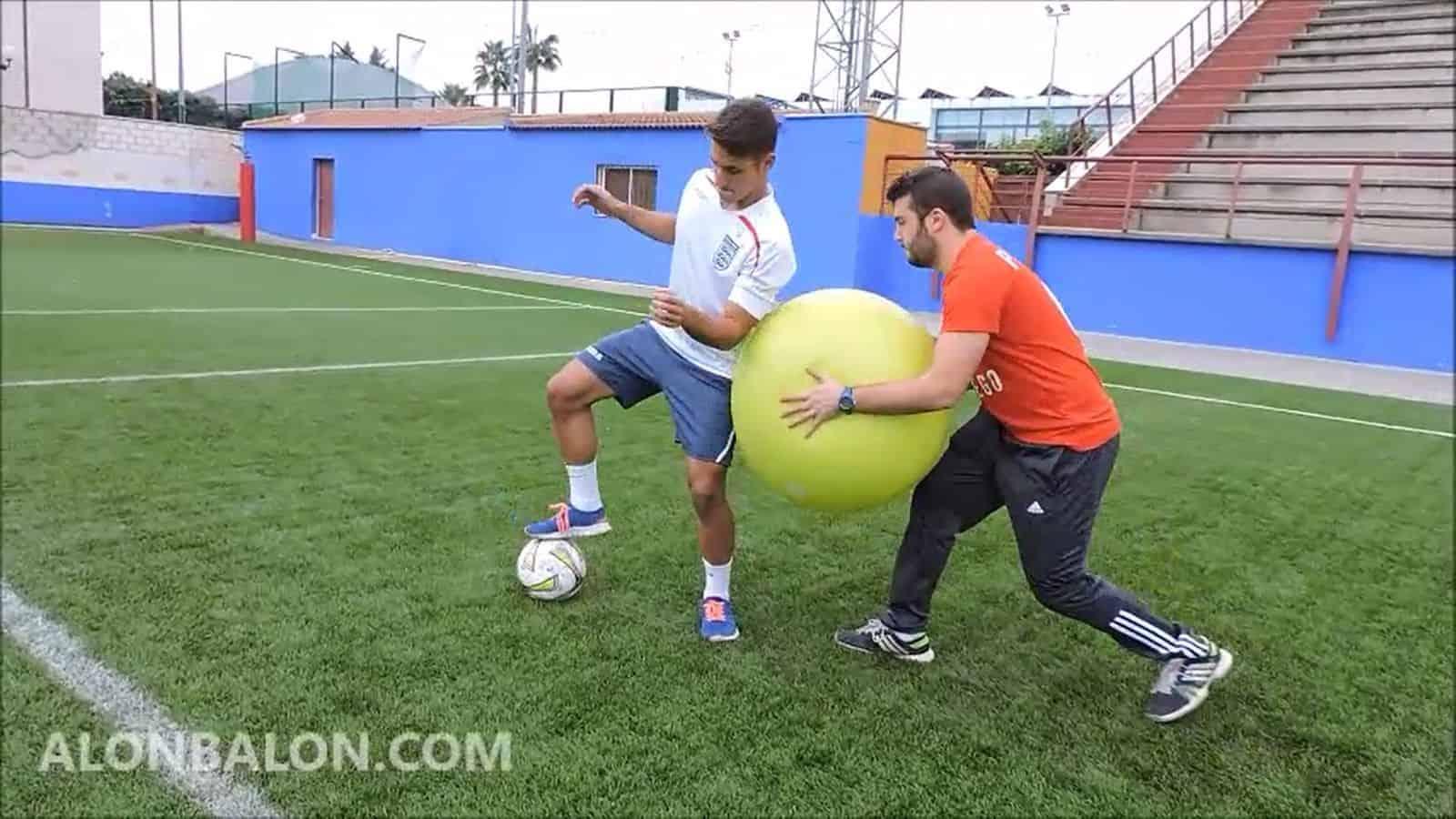 Desestabilización de rodilla en control de balón